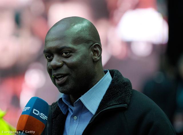 Johnson 2009-ben egy Bundesliga 2-meccs előtt nyilatkozik a DSF tévének