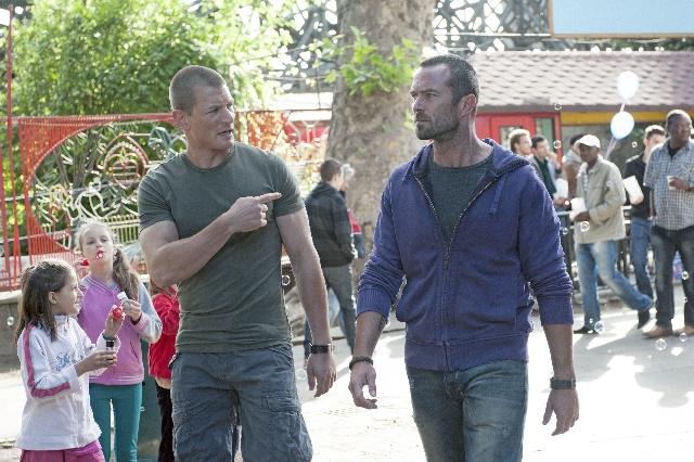 Phillip WInchester és Sullivan Stapleton a városligeti Vidámparkban
