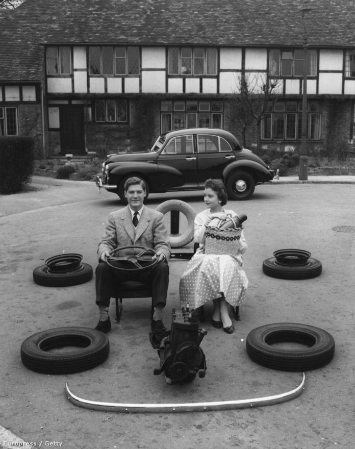 1956. Illusztráció a lízing működéséről. Az új találmány lényege: Mr. A még csak a kocsija kerekeit és a motorjának az árát fizette ki, de már nyugodt kényelemmel vezetheti autóját.