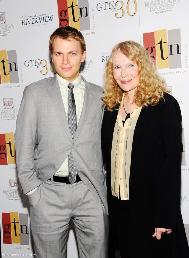 Ronan és Mia Farrow