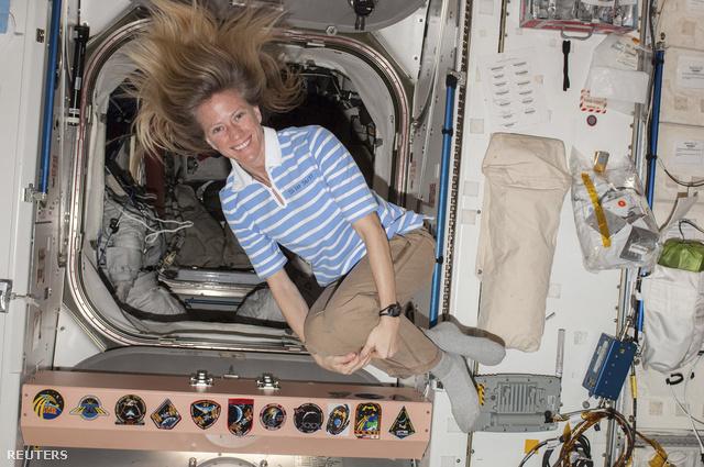A NASA 18000 dolgozója közül mindössze 550-et nem küldtek kényszerszabadságra, köztük az  ISS-en szolgálatot teljesítő úrhajósnőt, Karen Nyberget