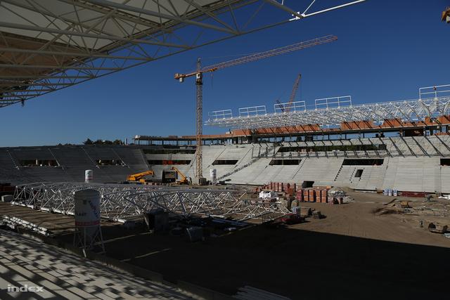 Az NSR – Nagyerdei Stadion Rekonstrukciós – Kft. egy állami cég, amelynek feladata a stadion-beruházás lebonyolítása..