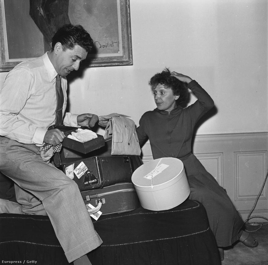 Pills-szel 1953 tájékán. A házasság nem tartott sokáig, 1957-ben elváltak. Közben tovább romlott Piaf egészsége, éneklés közben többször is összeesett a színpadon. A színpadi karrierjének viszont csak jót tett a hányatatott magánélet, a való életből kapott élményekkel még hitelesebben játszhatta túl a tragikus sorsú, titokzatos nő szerepét.