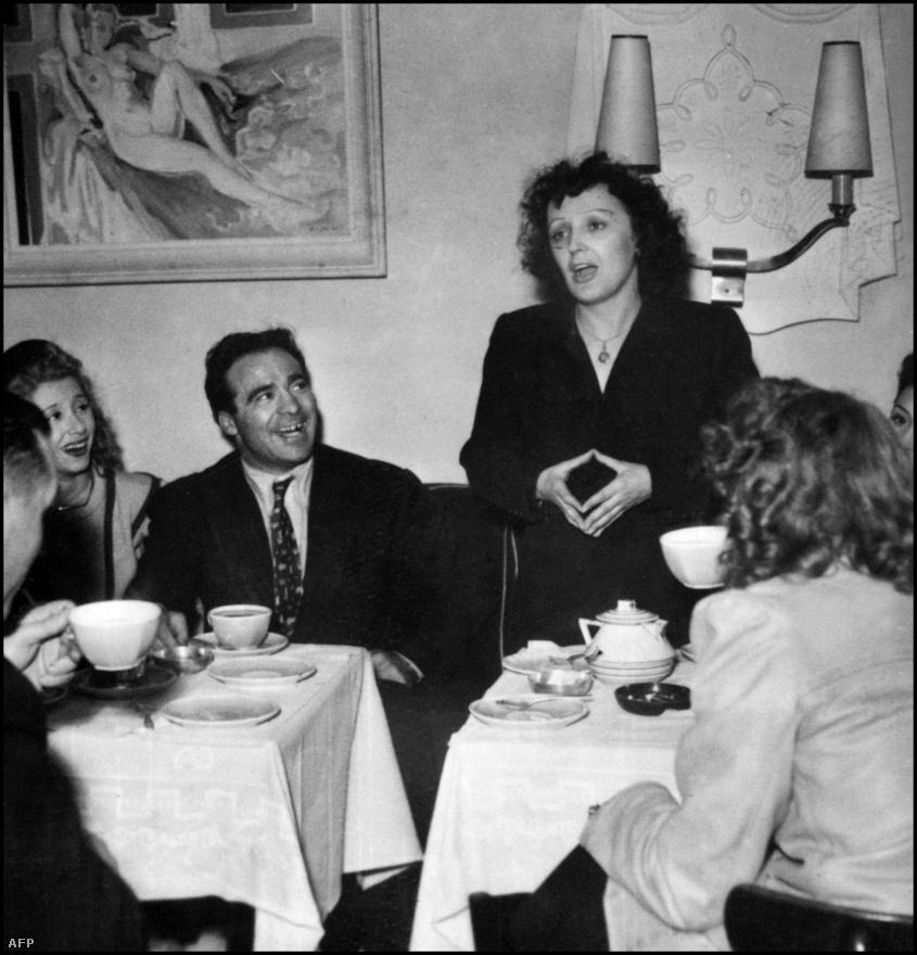 Élete nagy szerelmével, Marcel Cerdan világbajnok boxolóval. Mikor megismerkedtek, Cerdannak már felesége és három gyermeke volt. Az affér 1948-ban kezdődött, és 1949-ben ért véget, mikor Cerdan meghalt egy repülőgépbalesetben.