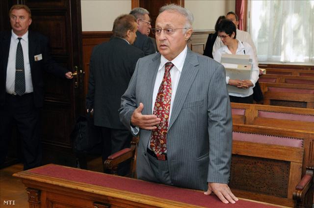Sas József a bírósági tárgyalásán, 2009-ben