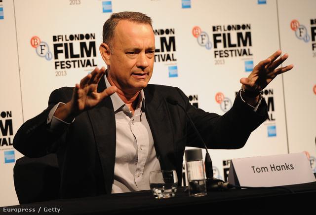 Tom Hanks mutogat és magyaráz a premier előtti sajtóbeszélgetésen