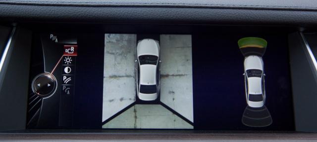 Így már pofonegyszerű a parkolás. A kamerák a két oldalsó tükörbe és a csomagtérfedél alsó peremébe kerültek