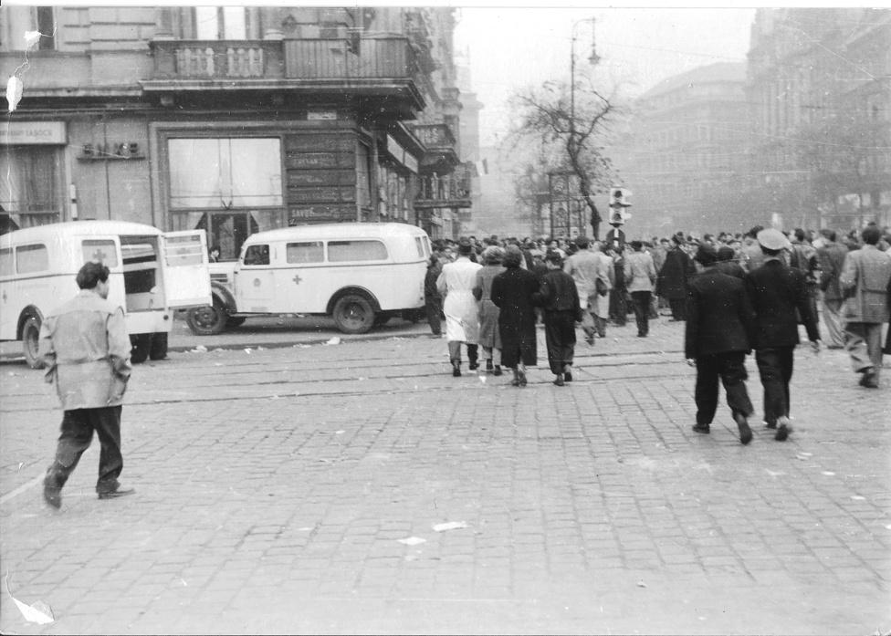 Az egykori EMKE kávéház, a Blaha Lujza téren