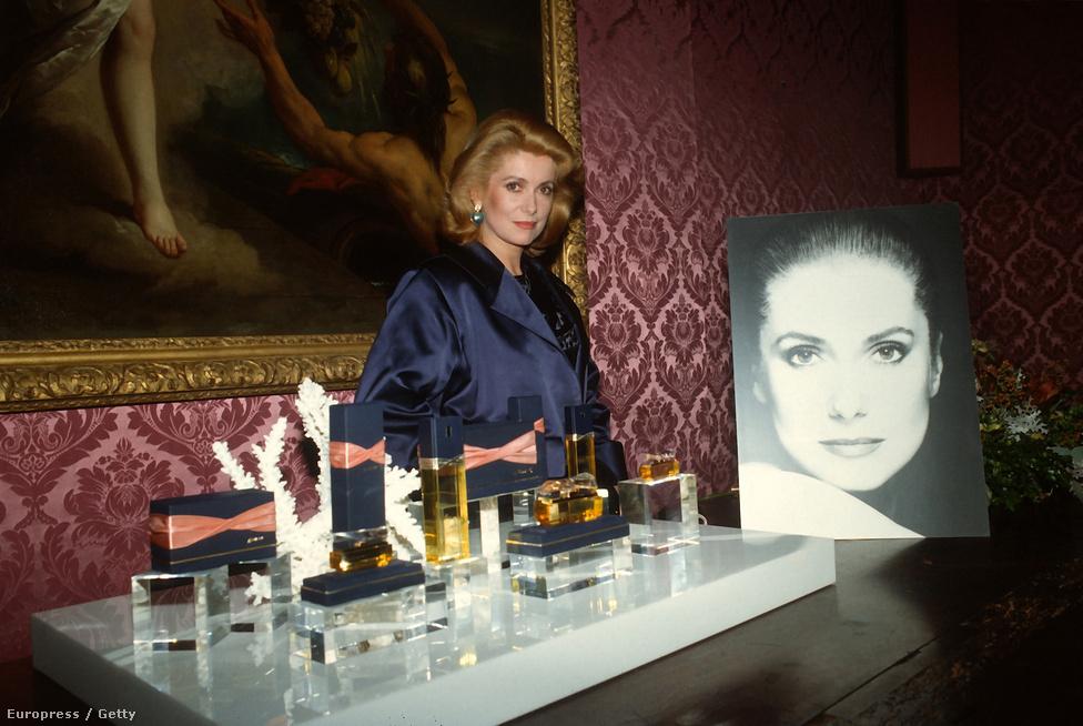 A színésznő 1985-ben dobta piacra saját magáról elnevezett parfümjét az AVON kozmetikai céggel együttműködve. Az illat, amelynek alkotórészeit állítólag maga Deneuve válogatta össze, 1987-ben még díjat is nyert. Parfümökkel foglalkozó oldalakon a mai napig dicsérik.