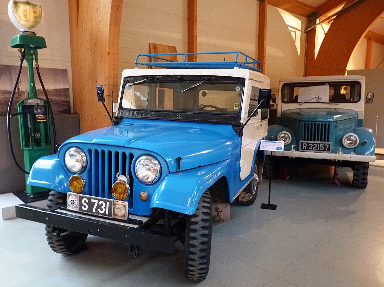 Jeep és GAZ 69: hosszú időn át ezek a terepjárók bizonyultak a legjobb társnak az út nélküli belső vidékek felfedezéséhez. A standard ponyva helyett mindkettőre a szélsőséges időjárást jobban elviselő, nagyobb komfortot és biztonságot nyújtó fémlemezből készítettek zárt kabint