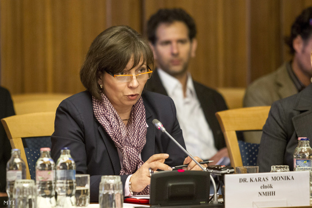 Karas Monika, a Nemzeti Média- és Hírközlési Hatóság elnöke az Országgyűlés kulturális és sajtóbizottságának ülésén a Képviselői Irodaházban 2013. október 28-án.