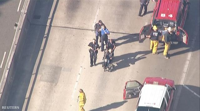 Egy sérültet mentenek a rendőrök a Los Angeles-i reptéren