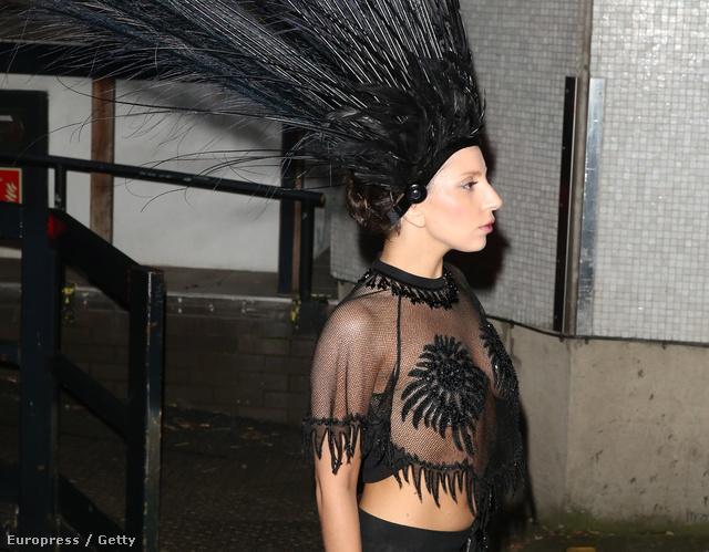 Lady Gaga Londonban október 29-én