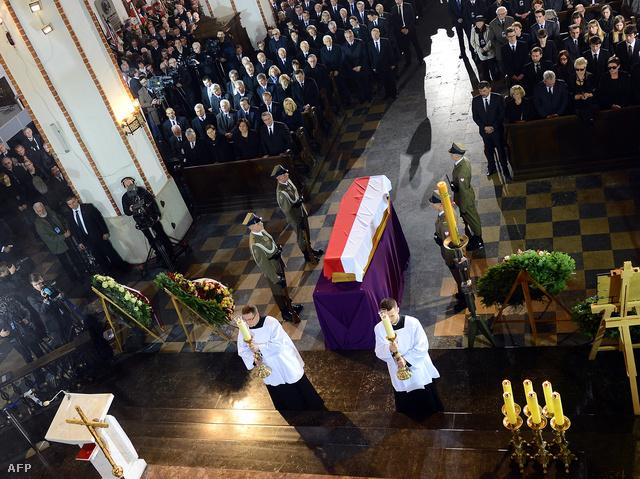 Ezrek búcsúztatták Mazowieckit Varsóban