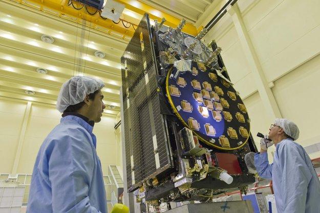Egy Galileo műhold földi ellenőrzése