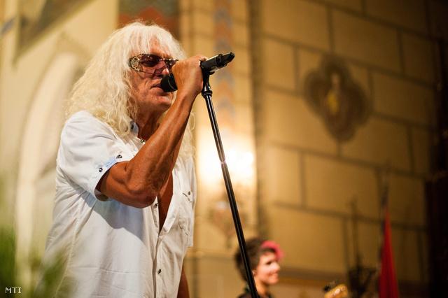 Omega-koncert a bátaszéki Nagyboldogasszony-templomban