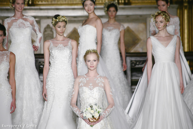 Jönnek a menyasszonyok a New York-i esküvői divatbemutatón