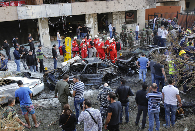 Több forrás szerint az iráni kulturális attasé életveszélyesen megsérült, de az is lehet, hogy meghalt. Az épületen belül senki sem sérült meg.