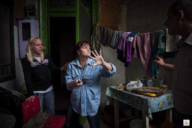 A tavalyi Sajtófotó Hír kategóriájának első helyezettje Móricz Simon (Népszabadság) - Kilakoltatás című képe. Nézzék meg a 2012-es pályázat legjobbjait a Nagyképben!