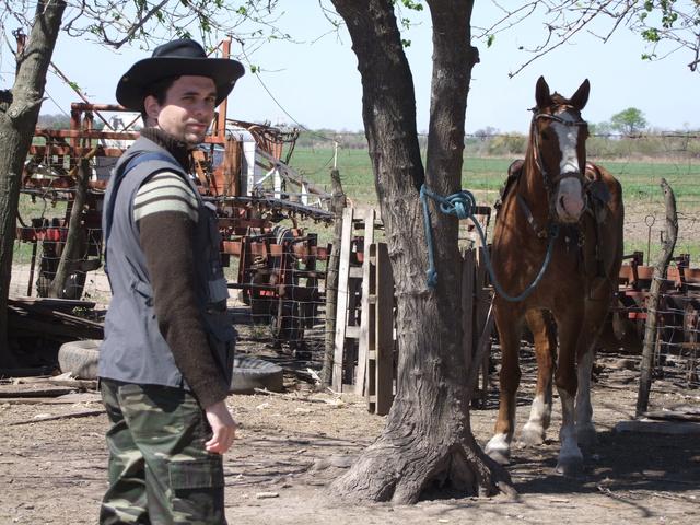 Néprajzi gyűjtés közben az egyik magyar tanyán