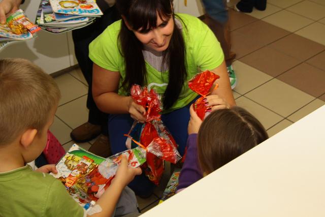 2012-ben a Szerencsejáték Zrt. kórházak gyermekosztályait látogatta meg.