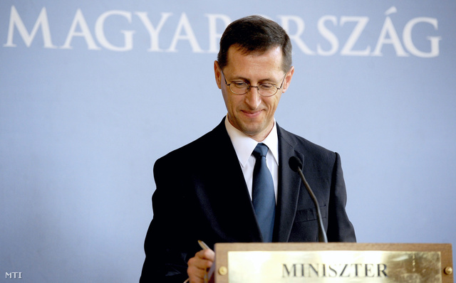 Varga Mihály nemzetgazdasági miniszter