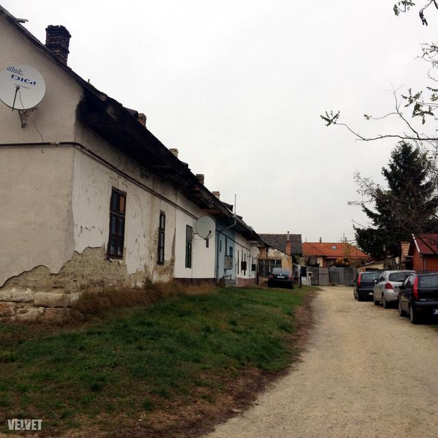 A sorház első házában élt a család