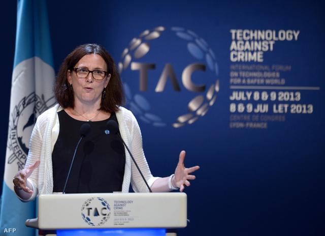 Cecilia Malmström júliusban, az Interpol által szervezett konferencián Lyonban
