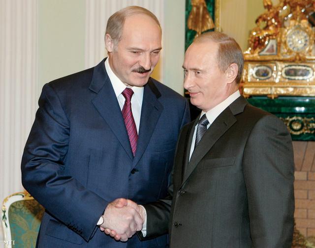 Alekszandr Lukasenko és Vlagyimir Putyin