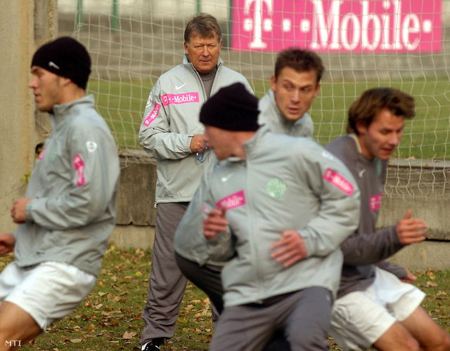 2005. november 11. Gellei Imre az FTC új vezető edzője (k) megtartotja első foglalkozását az Üllői úti pályán.
