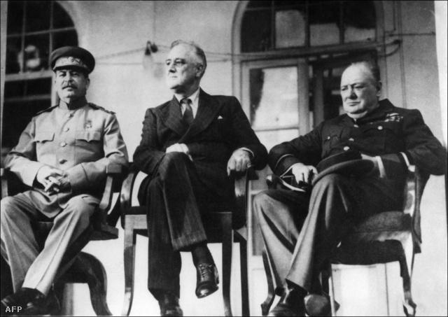 Sztálin, Roosevelt és Churchill Teheránban, 1943. november 28-án