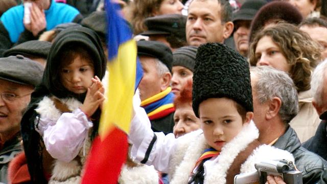 Szomszédaink, a magyarok – jelenet a filmből