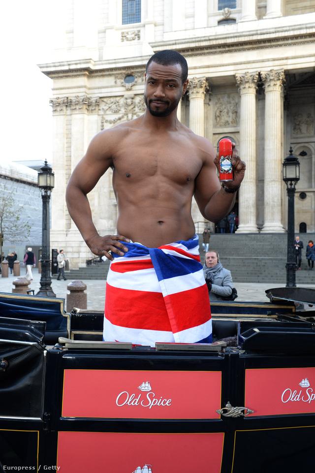 Isaiah Mustafa Londonban gentlemanekre vadászik