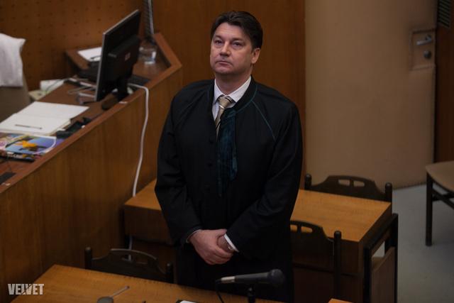 Novák Péter, Rezešová ügyvédje.