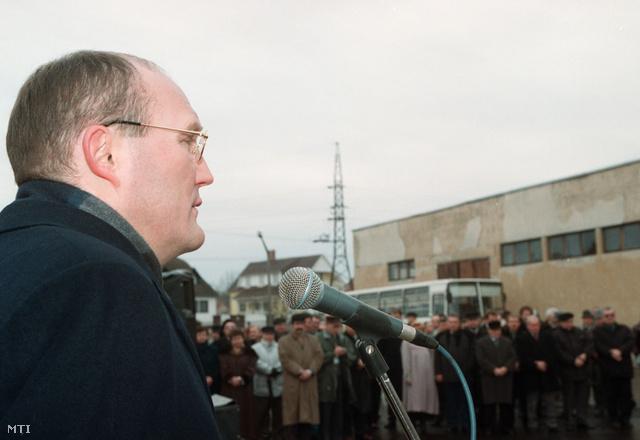 Góczi István, az Inter-Tram Kft. igazgatója a mátészalkai biodízelüzem alapkőletételén.