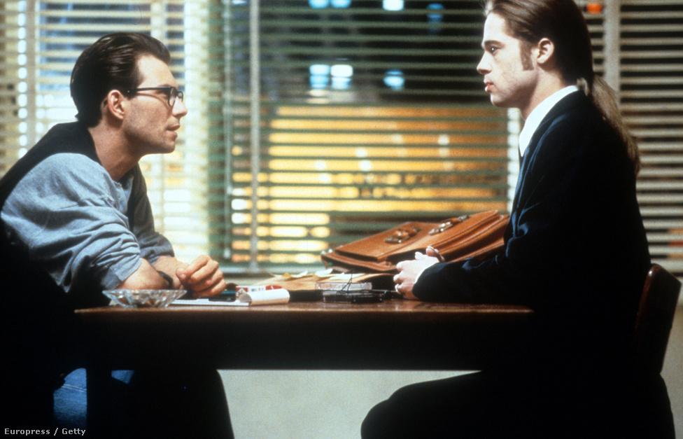 Az Interjú a vámpírral 1994-ből. Mindenki kíváncsi volt arra, hogy Hollywood legszebb férfijai, Brad Pitt, Tom Cruise és Antonio Banderas milyen vámpírok lesznek. Kétségek voltak bőven, de Neil Jordan filmje végül okos, vicces, ironikus, homoerotikus adatptáció lett, amiben egyértelműen Cruise-nak jutott a legjobb szerep, Lestaté. A kritikák ezúttal nem kímélték Pittet, a legtöbben vérszegénynek nevezték a vámpíralakítását.