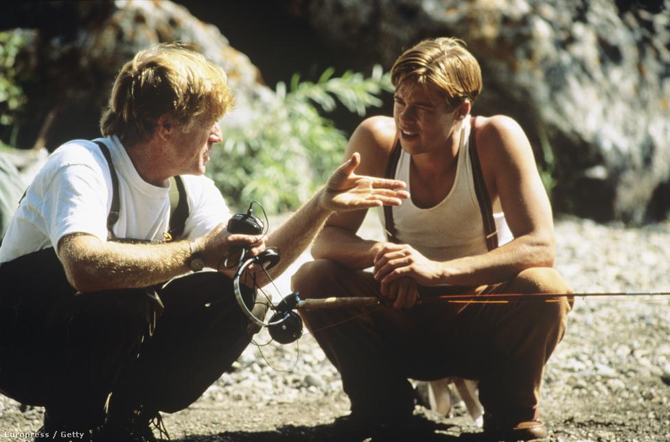Robert Redforddal A folyó szeli ketté forgatásán 1991-ben. Bár ez a horgászfilm elég unalmasra sikeredett, mégis fontos állomás volt. Egyrészt azzal, hogy Redford őt választotta a filmje főszerepére, világossá tette, hogy Pitt komoly filmekre is alkalmas, vezető színésszé vált. Másrészt már nem csak a bulvárlapok tartották az új Redfordnak, maga a színészlegenda adta át neki a trónját.