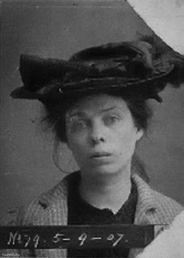 A kép 1910-ben készült az akkor 28 éves Annie Cerney-ről, akit azért tartóztattak le, mert részegen randalírozott az utcán.
