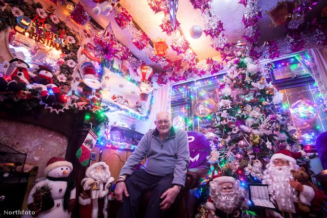 Idén sajnos Harry Creaney már egyedül kapcsolta fel a karácsonyi fényeket
