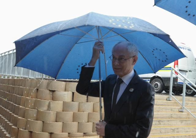 Eső után köpönyeg - Herman van Rompuyt megedzette a válság