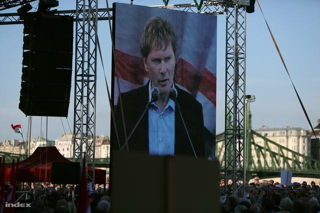 Fodor Gábor az ellenzék 2013. október 23-i tüntetésén