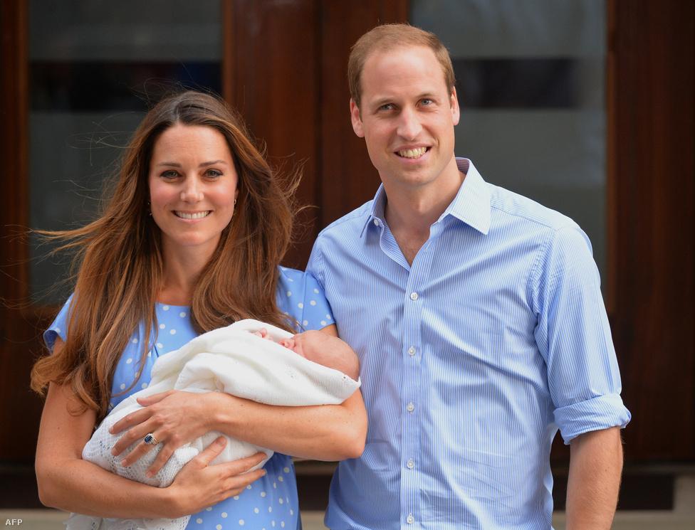 Megszületett Vilmos herceg és Katalin kisfia, aki a György Sándor Lajos nevet kapta. A kis herceg hivatalos megnevezése Őkirályi fensége György, Cambridge hercege. A György névnek nagy hagyománya van a brit királyi családban, így hívták például II. Erzsébet apját és nagyapját is, és a György királyok kivétel nélkül pozitív figurák a brit történelemben.