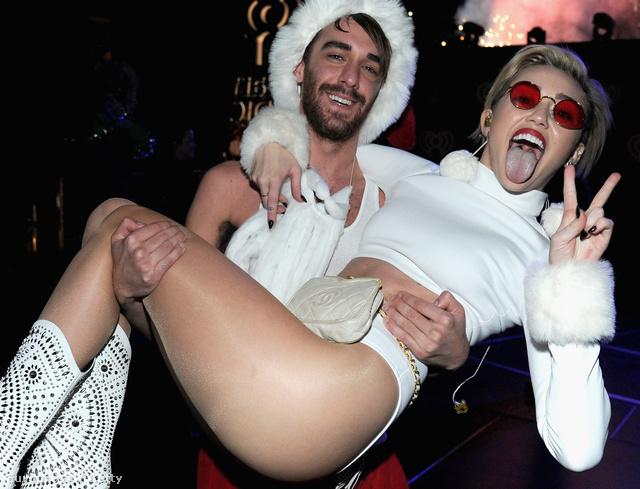 Miley Cyrus karácsonyi fellépése Washingtonban