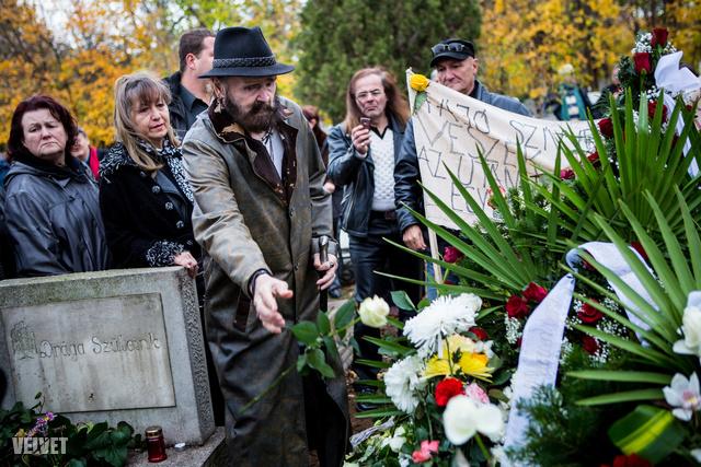 Már Komár László temetésén sem nézett ki túl jól