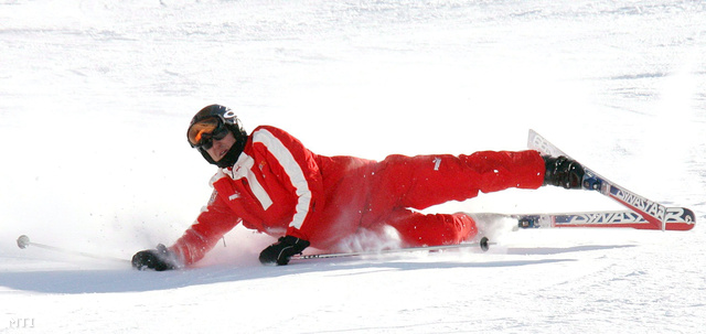 Egy archív fotó Schumacher korábbi síbalesetéről