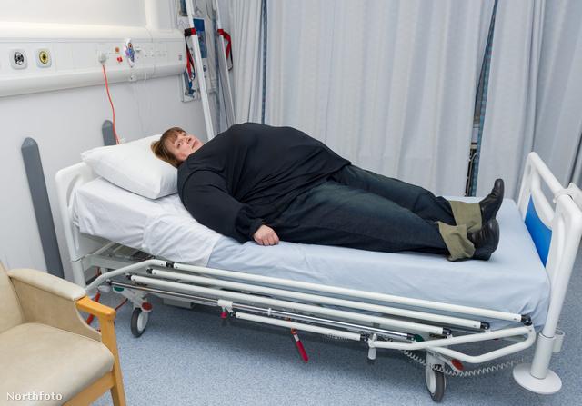Az ápolók most már értik, miért nehéz a túlsúlyos pácienseknek a hátukon feküdni.