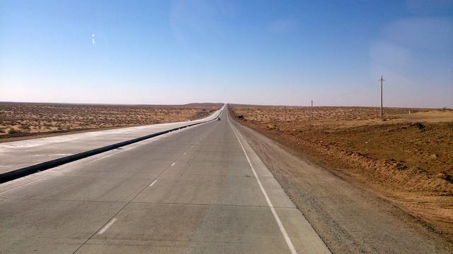 Épülő autópálya Üzbegisztánban