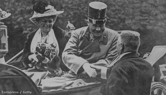 Ferenc Ferdinánd és hitvese Szarajevóban, néhány pillanattal a merénylet előtt