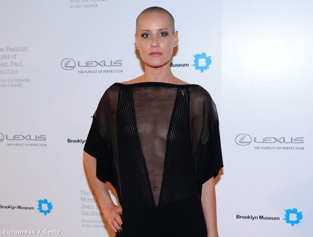 Eve Salvail haj nélkül