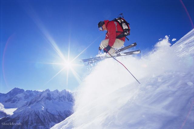 stockfresh 80662 young-man-skiing sizeM